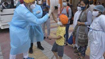 সংক্রমণ কমায় স্বাভাবিক জীবনে ফিরছে ভারত